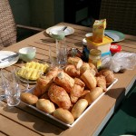 Het Heijderbos ontbijt buiten