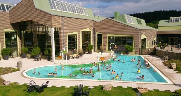 Waterpret voor de allerkleinsten in het zwembad van je vakantiepark
